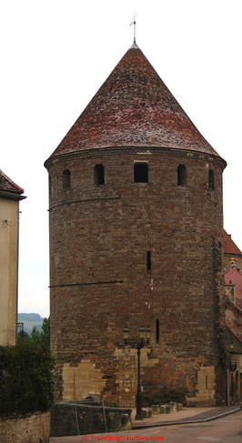 Semur en Auxois tower